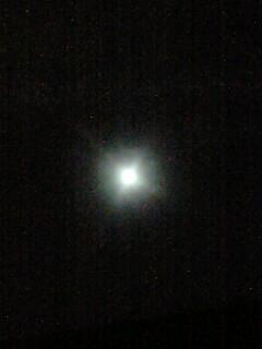 雨でも満月