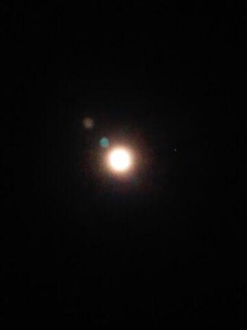 月と星が綺麗な夜に