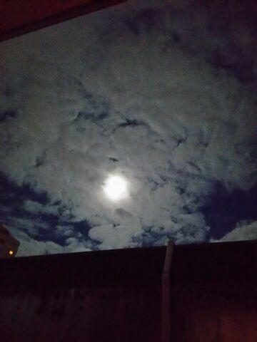 満月近い 虹の月