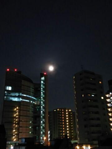 満月  朧の月夜に
