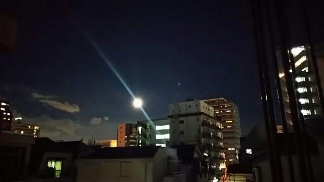 昨夜の大きな月
